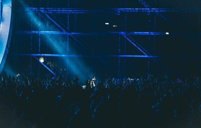 A.B.C-Zコンサートマナーをおさらい!ペンライト、うちわ、声、服装、撮影、録音、追っかけ、ゴミetcを徹底解説!