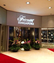 Fairmont Hotel Singapore via youmademelikeyou.com