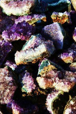quartz - Flowers - boho chic inspiration via youmademelikeyou.com