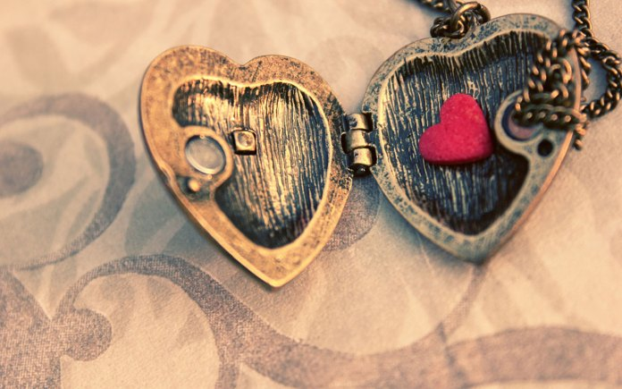 Love-Heart-Shaped-Wallpaper For Wide Screen