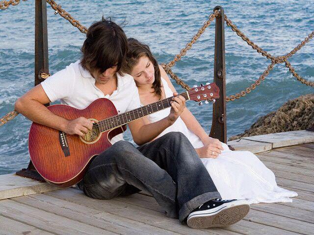 Romantic-Couple-Love-Wallpaper For Mobile