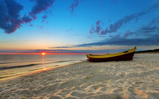 Beach HD Wallpaper For WideScreen