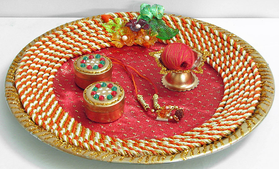 Navratri special garba dandiya best dress ideas hairstyle for Aarti thali decoration pictures navratri