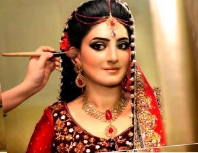 wedding hairstyle for punjabi bride