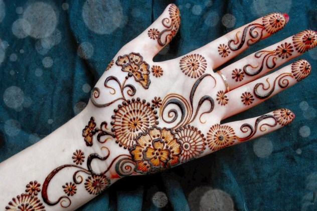 simple and easy karva chauth mehndi design