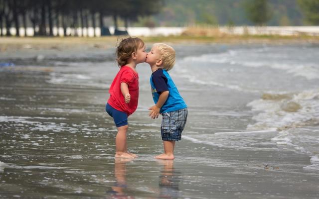 cute couple kids kissing images