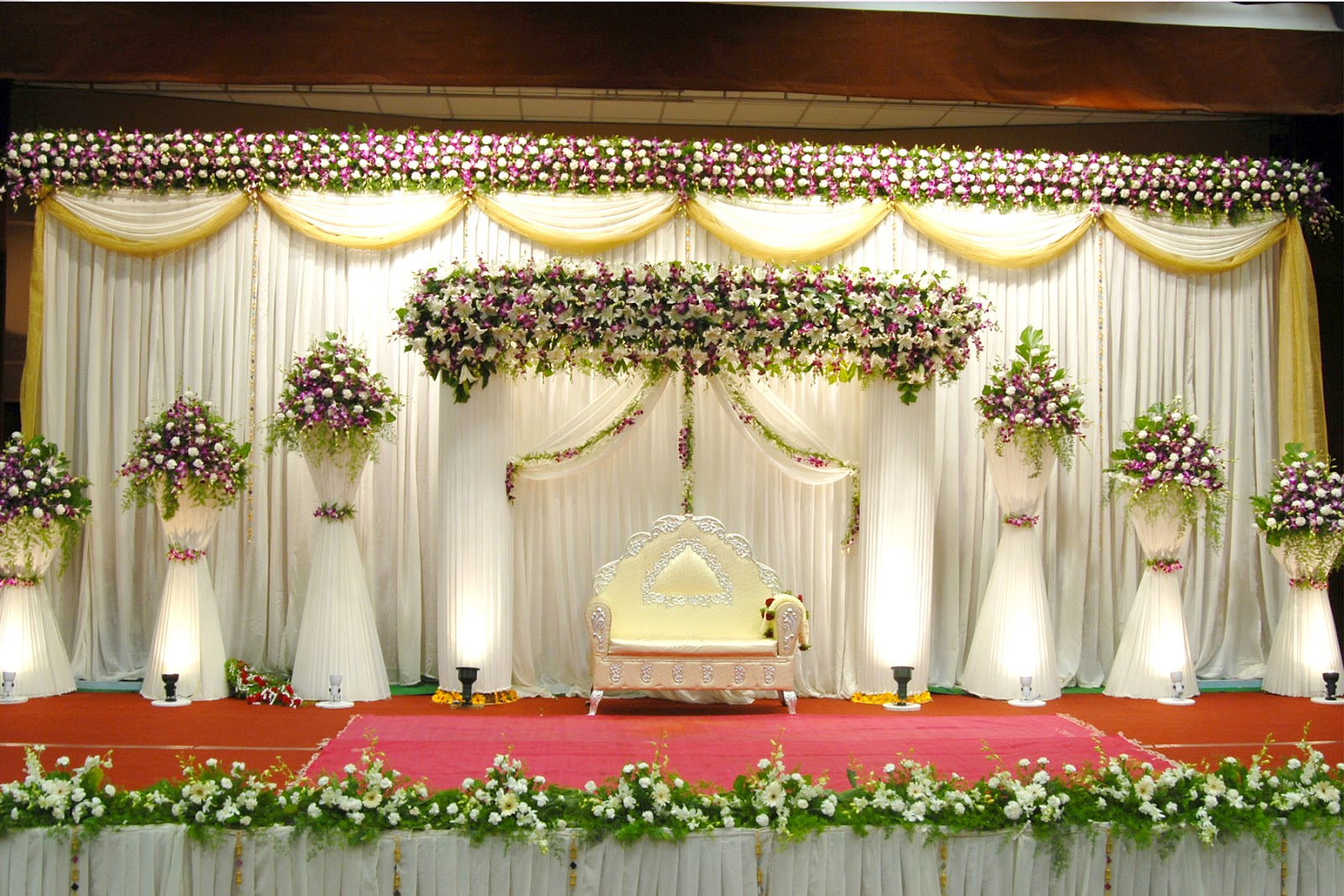 Best wedding stage decoration idea for indian weddings for Hall decoration images