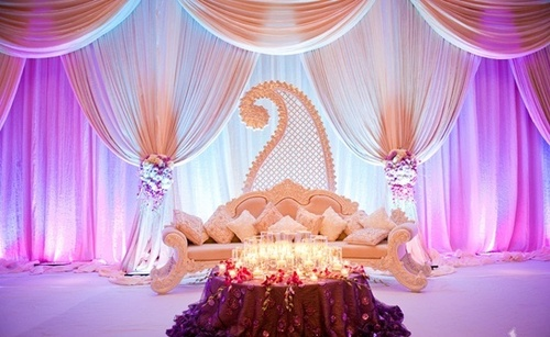 pearly white center stage decoration