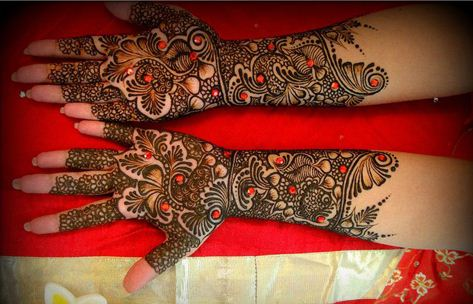 stone trendy mehndi designs for bride