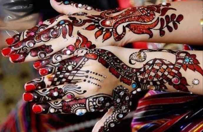 glitter mehndi designs for bridal