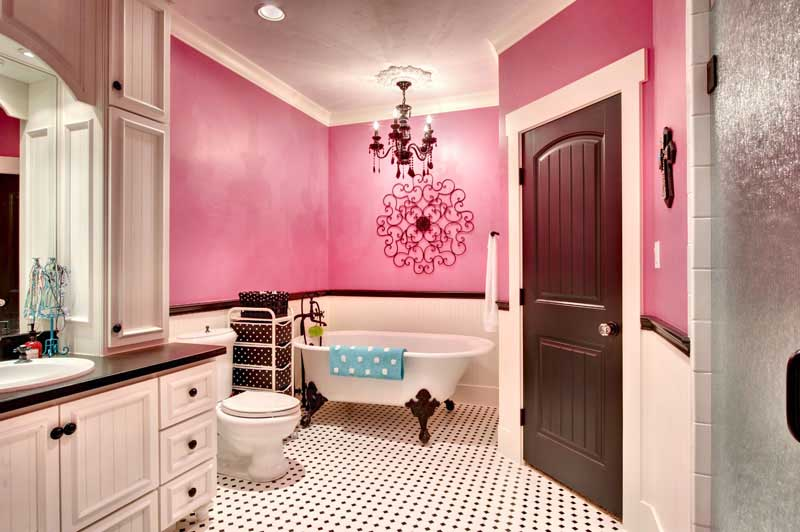 Small Bath Room Design With Bathtub. Indian Home Exterior Designs ...