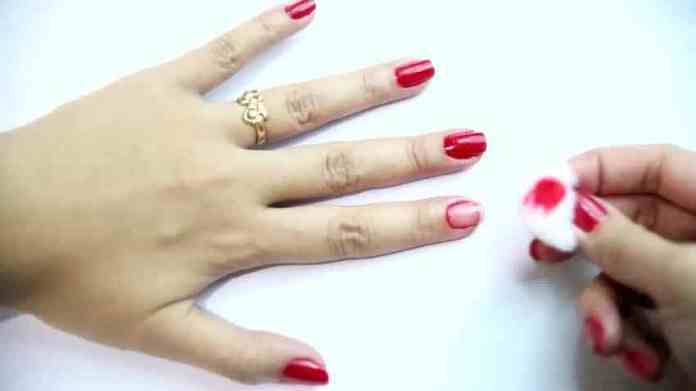 Best Ways How To Remove Nail Polish Without Remover Youme And Trends