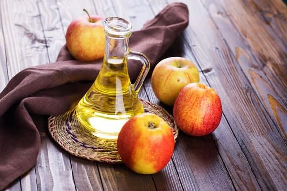 apple cider vinagr for drt throat