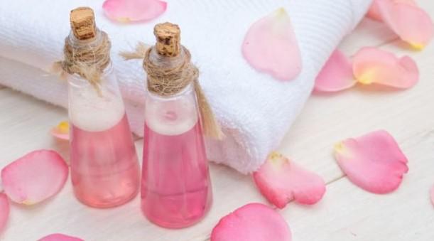 rose water To Get Fair Skin