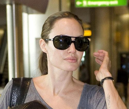 Angelina jolie without makeup Airport Look Sexy Look