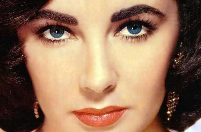 elizabeth taylor purple eyes Beautiful eyes Pretty eyes