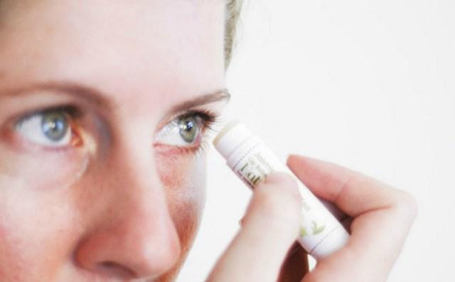 thicker eye lashes