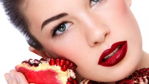 pomegranate juice beneficial for skin