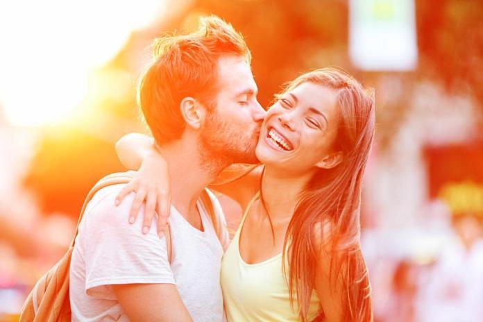 what each kiss means cheek kiss kiss on cheeks