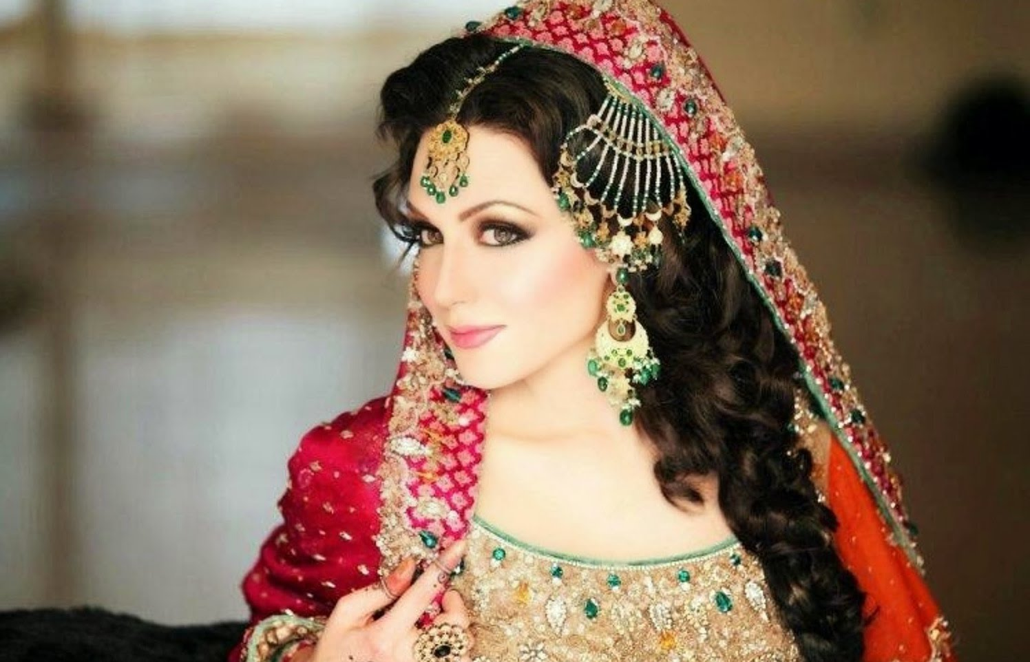 Top 10 Most Beautiful Pakistani Women In the World - Youme