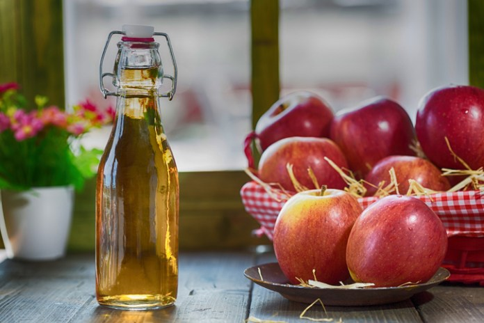 APPLE CIDER VINEGAR HELPS IMPROVING HAIR GROWTH