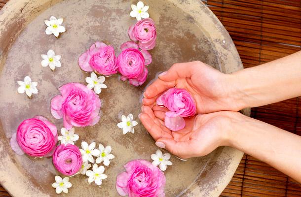 rose water effect on skin