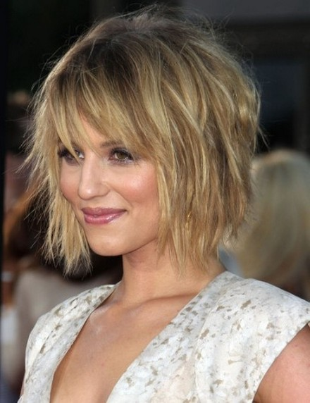 which haircut suits for round face female