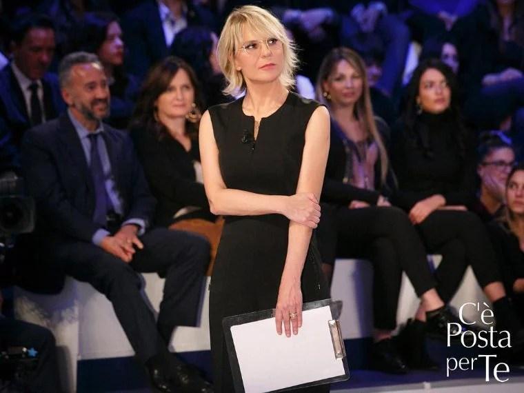 Maria De Filippi I Look Della Conduttrice Di Cè Posta Per Te