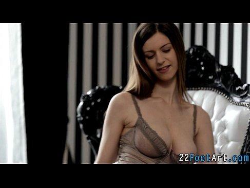 ロシア系極上美女が抜群のスタイルで男を誘惑して激しいセックスしてるおまんこな洋物動画無料
