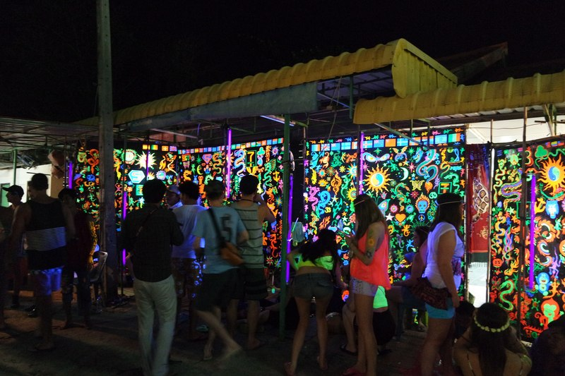 Body painting at Full Moon Party