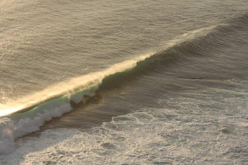 Wave breaking at Uluwatu