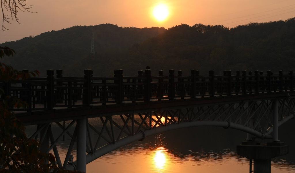 Woryeonggyo Bridge at sunset