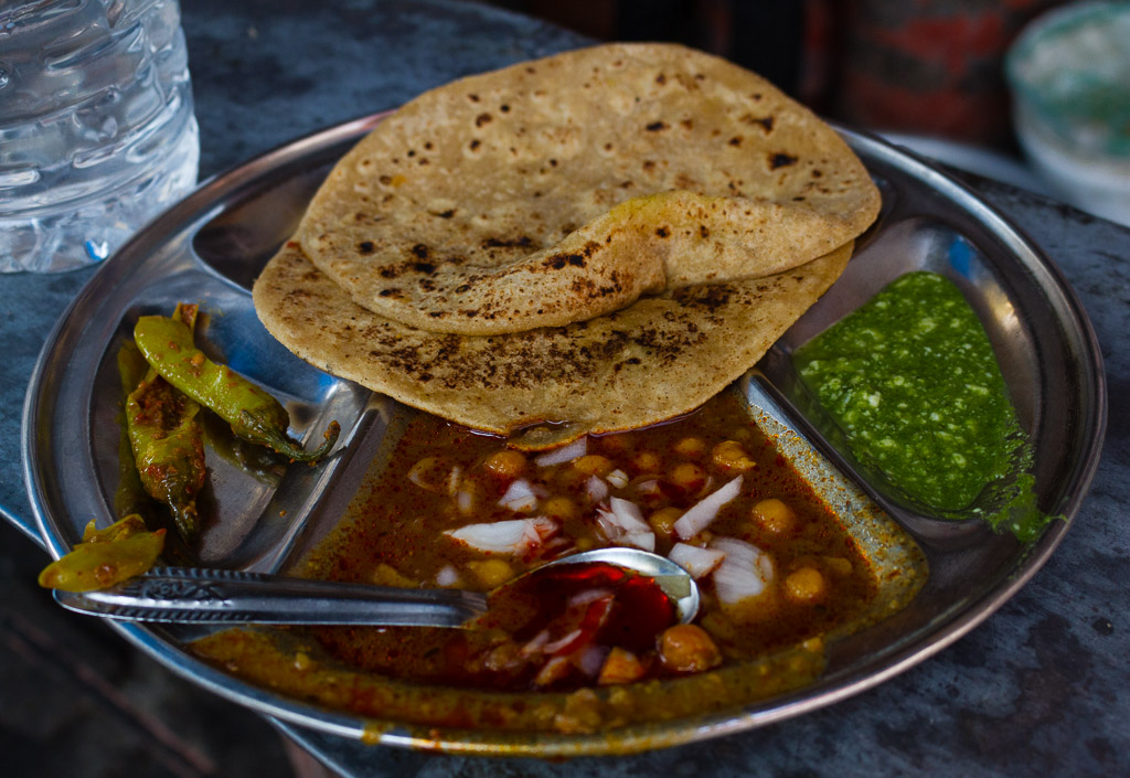 Curry and chapati in Jaipur