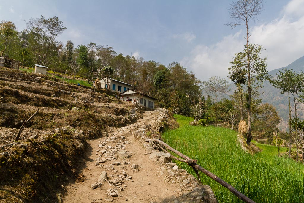 The trail from Shivalaya to Lukla