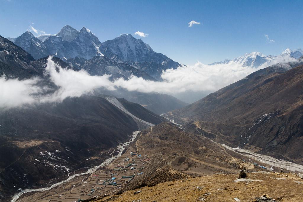 Dingboche on the left viewed from Nangkar Tshang