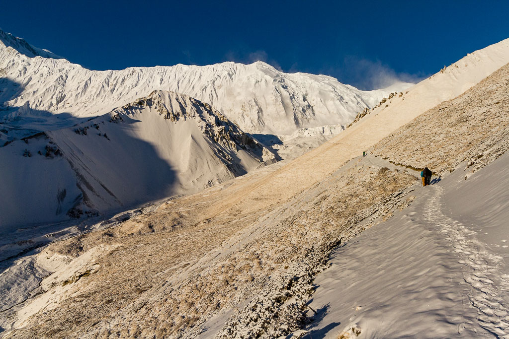 The trail up to Tilicho Lake