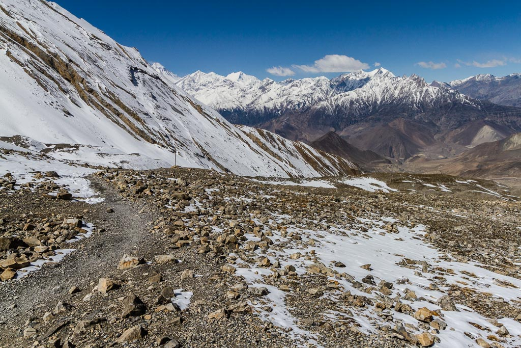 The trail into the Kali Gandaki valley