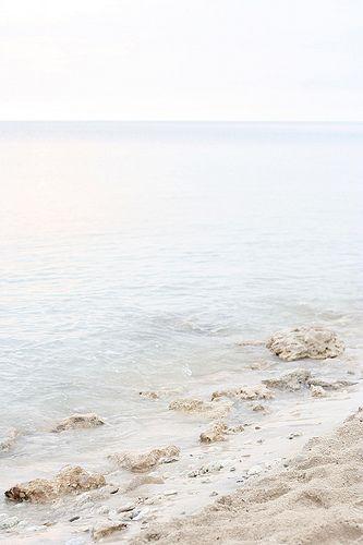 Beach par Elena Kovyrzina on Flickr   https://www.flickr.com/photos/virtualinsanity/