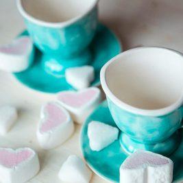 чашки в виде сердца ручной работы