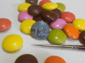 tiny-paintings-on-food-hasan-kale-04