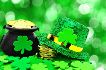 picture of pot of gold and St. Patrick's hat