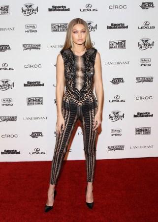 Gigi_Hadid_Sports_Illustrated_Celebrates_Swimsuit_baBJO-vGtFCx