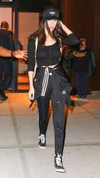 Bella-Hadid-out-in-NY--15