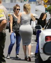 khloe-kardashian-at-dash-in-los-angeles-05-12-2015_2