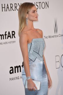 rosie-huntington-whiteley-at-amfar-s-23rd-cinema-against-aids-gala-in-antibes-05-19-2016_4