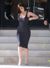 Kylie-Jenner-in-Tight-Dress--14