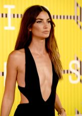 lily-aldridge-at-mtv-video-music-awards-2015-in-los-angeles_2