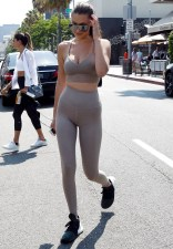 Pictured: Bella Hadid, Mohamed Hadid Mandatory Credit © Fernando Allende/Broadimage Bella Hadid and father Mohamed Hadid have lunch at Il Pastaio 7/29/16, Beverly Hills, California, United States of America Broadimage Newswire Los Angeles 1+ (310) 301-1027 New York 1+ (646) 827-9134 sales@broadimage.com http://www.broadimage.com