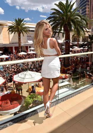 charlotte-mckinney-celebrates-her-birthday-at-encore-beach-club-and-intrigue-nightclub-08-06-2016_3