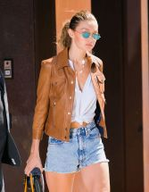 gigi-hadid-out-and-about-in-new-york-09-04-2016_11